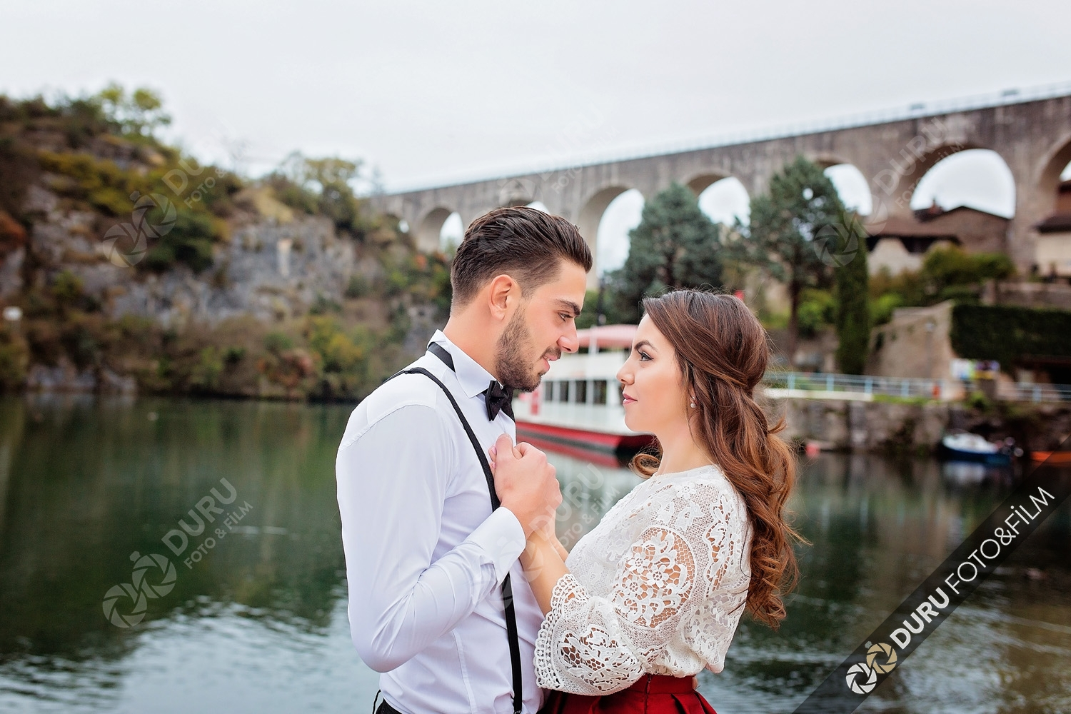 2018 Save The Date Engagement Photos Poses Duru Photo 0070